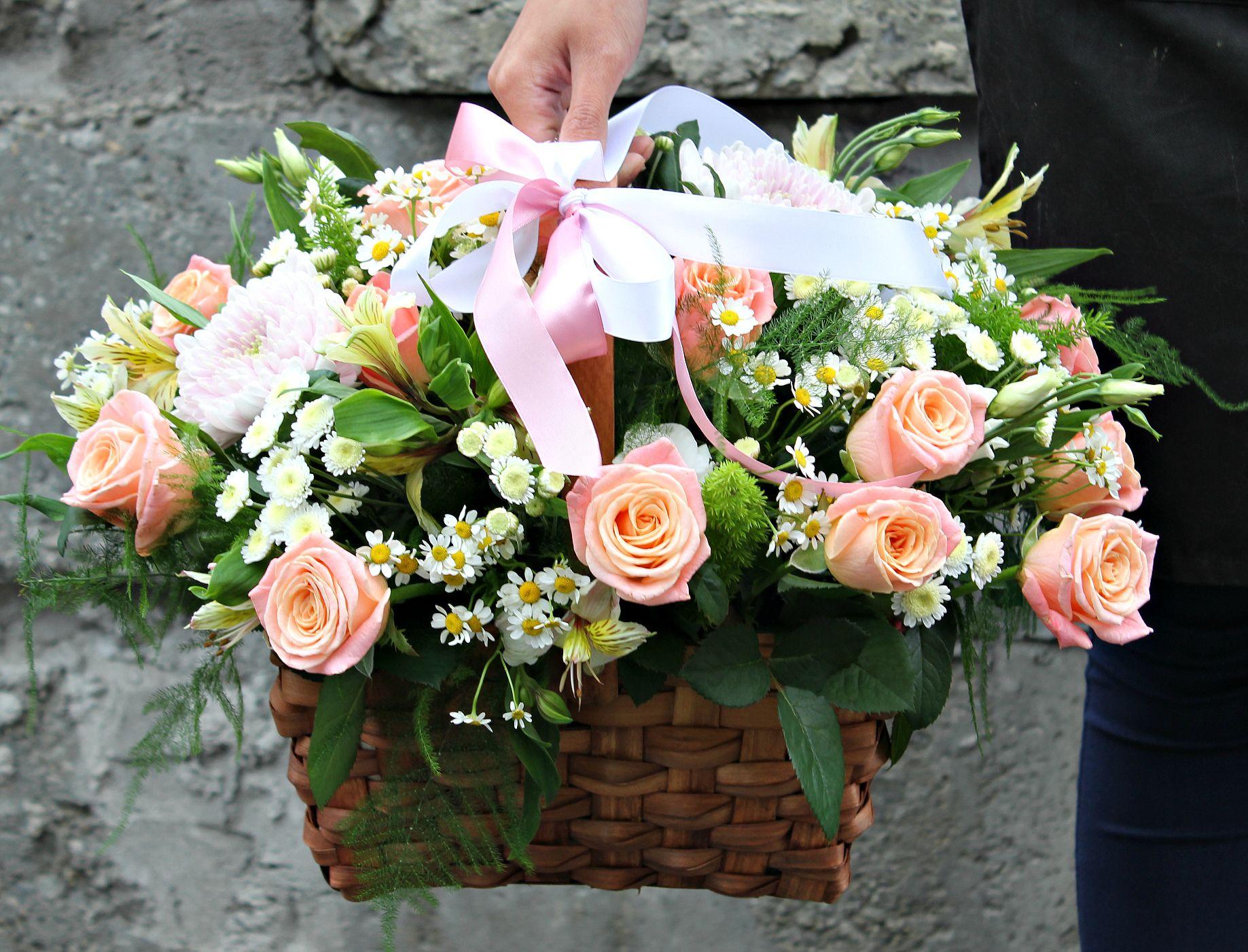 Цветы на вокзале в екатеринбурге