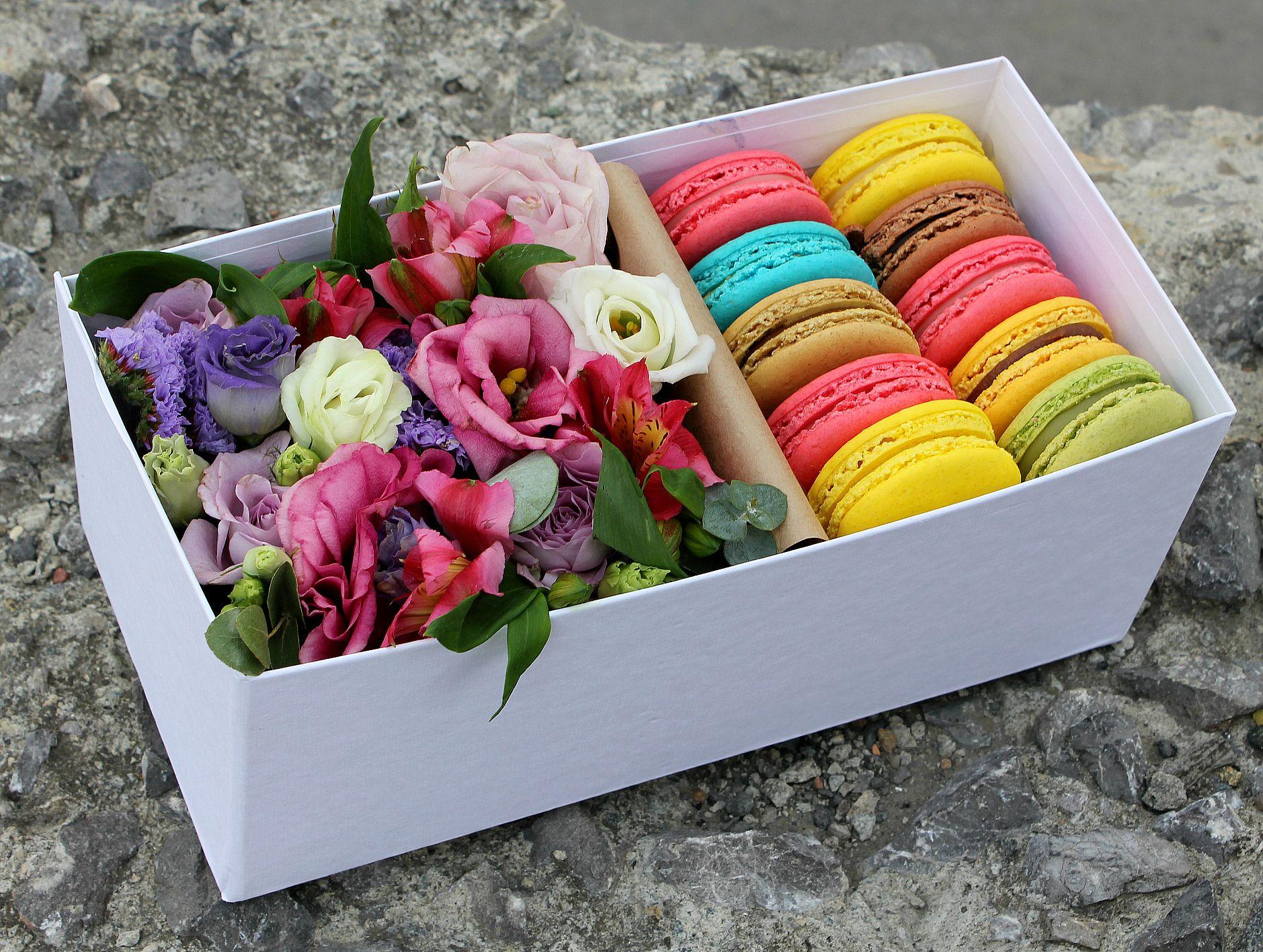 Коробки с цветами фото