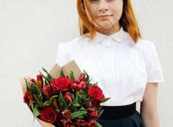 букет цветов учителю цена