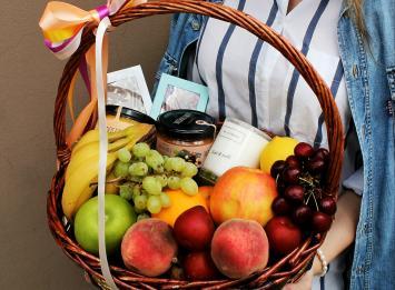 корзина с фруктами цена