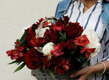 корзина цветов цена