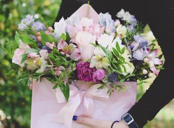 цветы в конверте цена