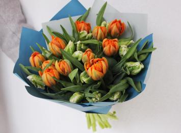 25 оранжевых пионовидных тюльпанов цена