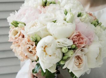 букет невесты из пионов недорого