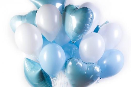 бело-голубые шарики для праздника