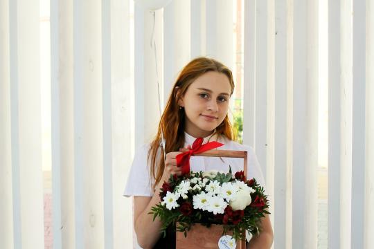 ящик цветов в школу цена