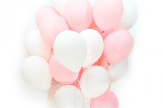 белые шарики в подарок