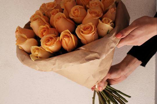 25 роз недорого