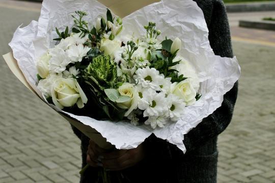 бело-кремовый букет цена