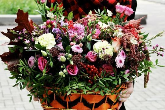 большая корзина с цветами цена