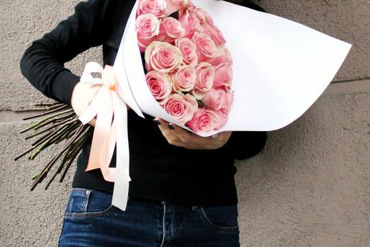 розовые розы цена