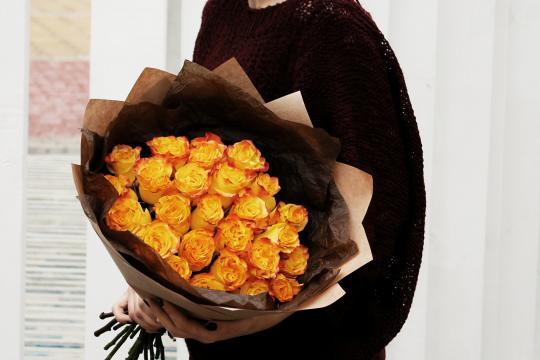 Большой букет желтых роз
