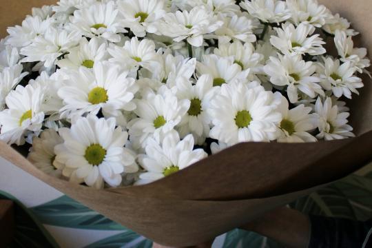 Букет цветов с хризантемами