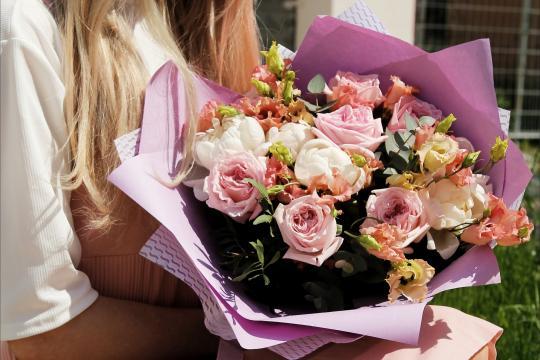 розовые пионы недорого