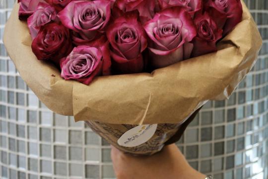 сиреневые розы недорого