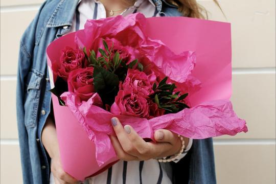 букет из 9 пионовидных роз цена