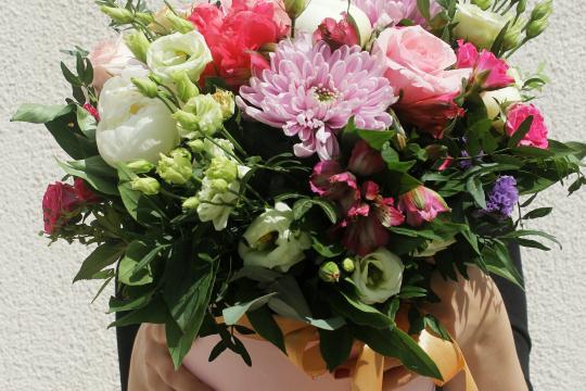 цветы в розовой коробочке