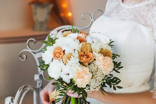 Необычные букеты из живых цветов