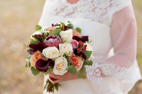Свадебный букет роза