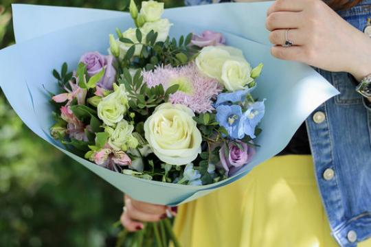 нежный букет цветов цена