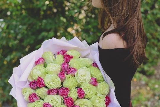 букет фисташковых роз цена