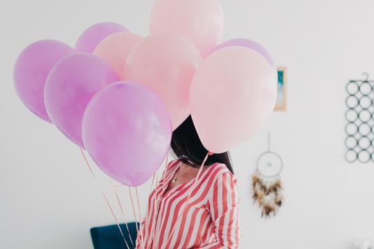 связка розовых воздушных шаров цена