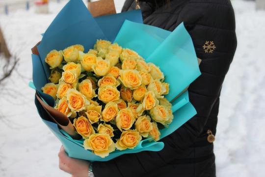 9 кустовых пионовидных роз цена
