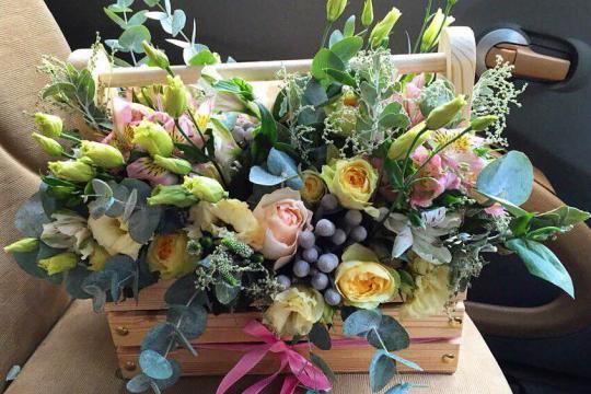 Розы в ящиках